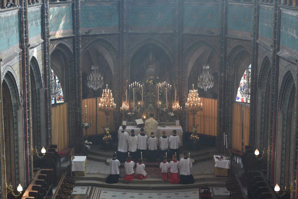 Saint Aignan Messe Servants Autel 2