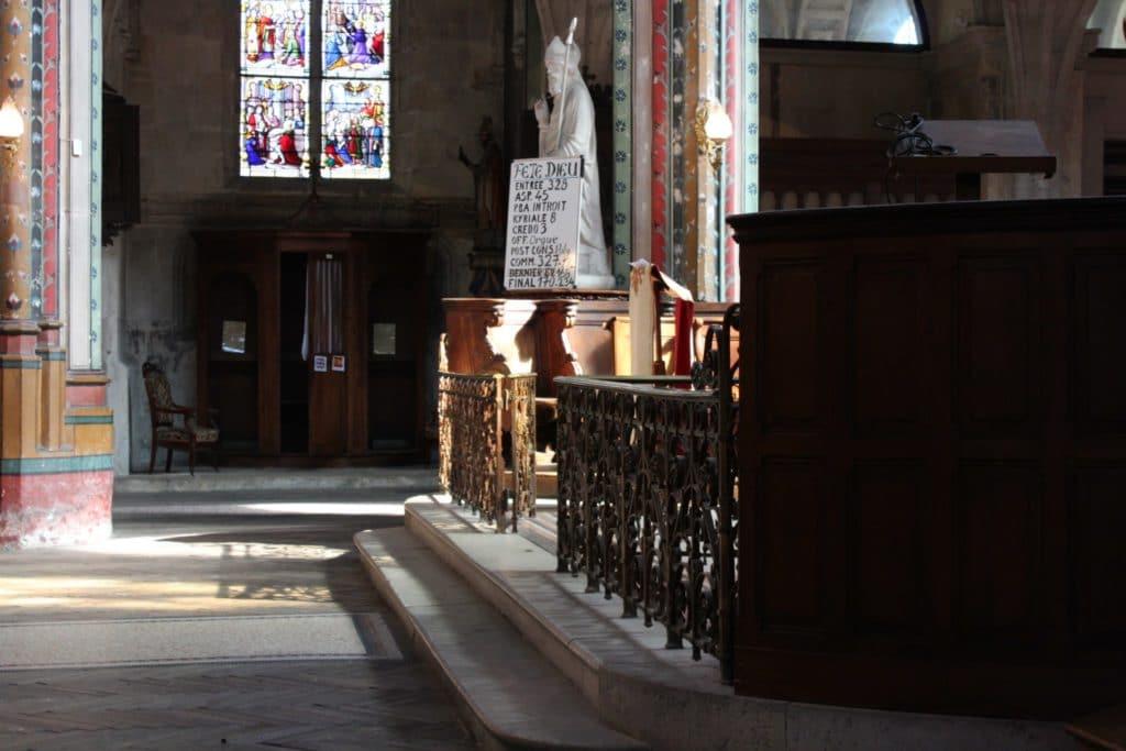 Saint Aignan Statue Chants